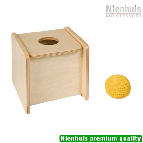 Imbucare Box With Hinge Lid And Knit Ball